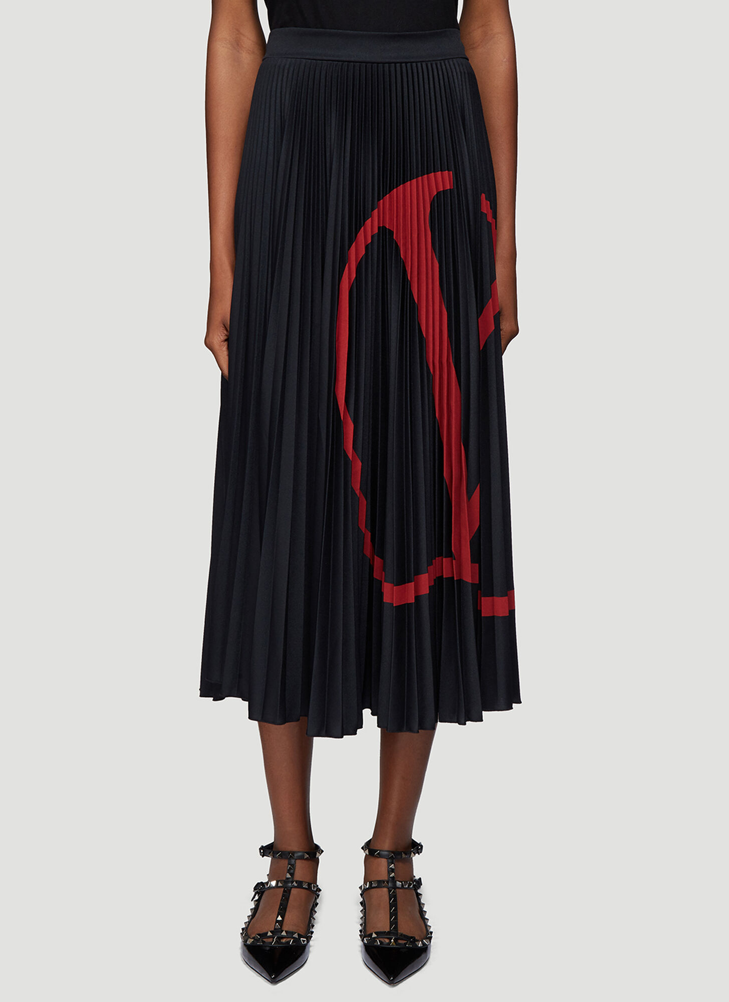 Valentino Logo Print Pleated Skirt in Black