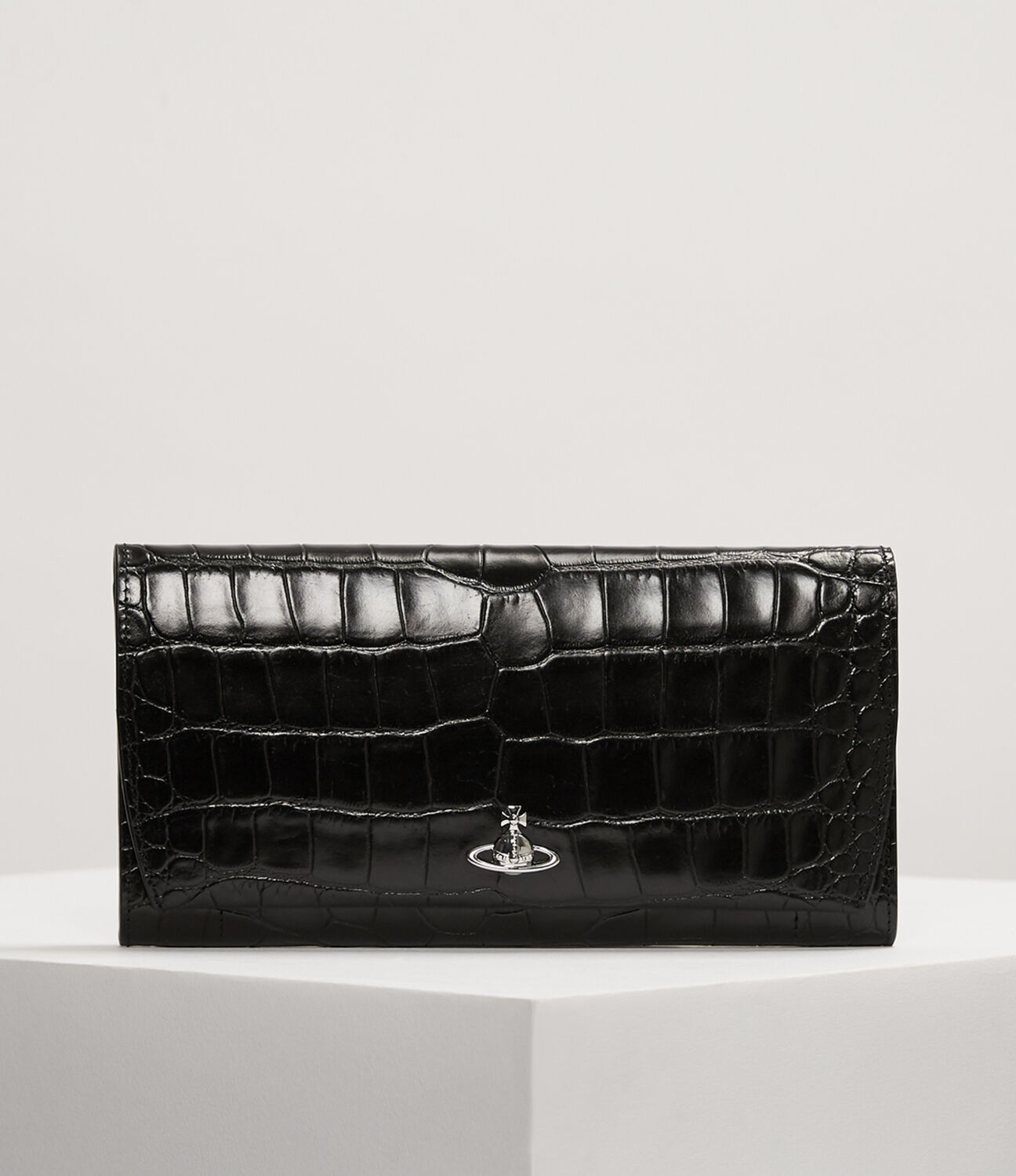 VIVIENNE WESTWOOD | Dora Travel Wallet Black | Goxip